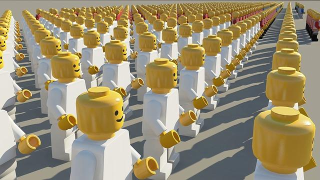 Lego crowd - looking pretty uniform!